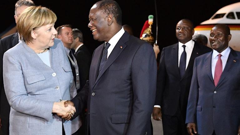 Tysklands förbundskansler Angela Merkel och Elfenbenskustens presient Alassane Ouattara