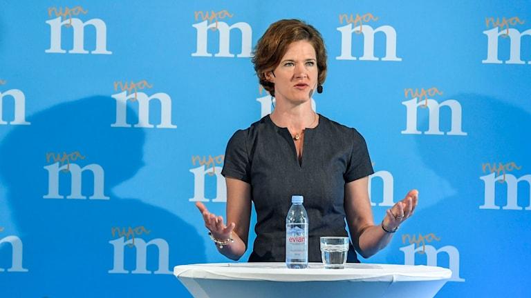 Moderatledaren Anna Kinberg Batra på partiets presskonferens i Almedalen.