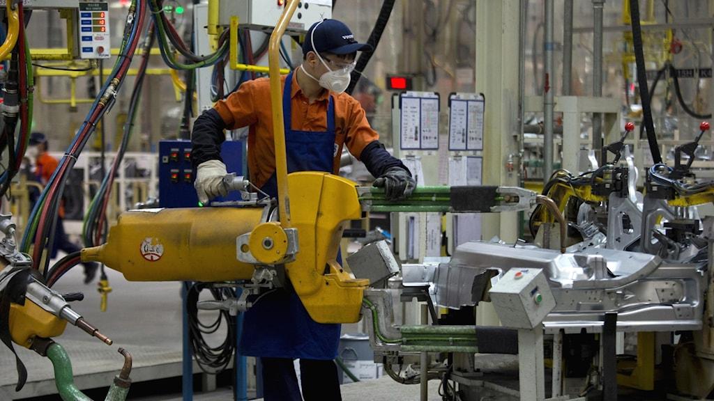 Fabriksarbetare på Volvo i Kina.