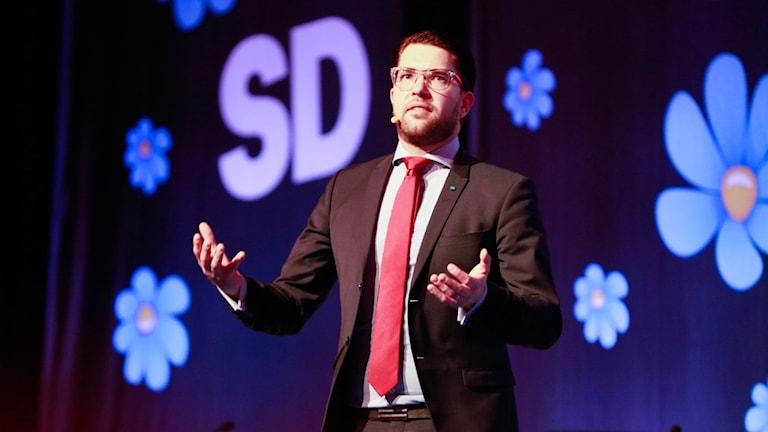 Jimmie Åkesson håller tal under kommundagarna i Västerås.