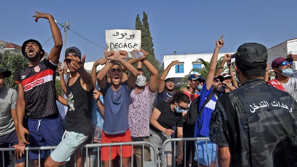 Demonstranter i Tunisien.