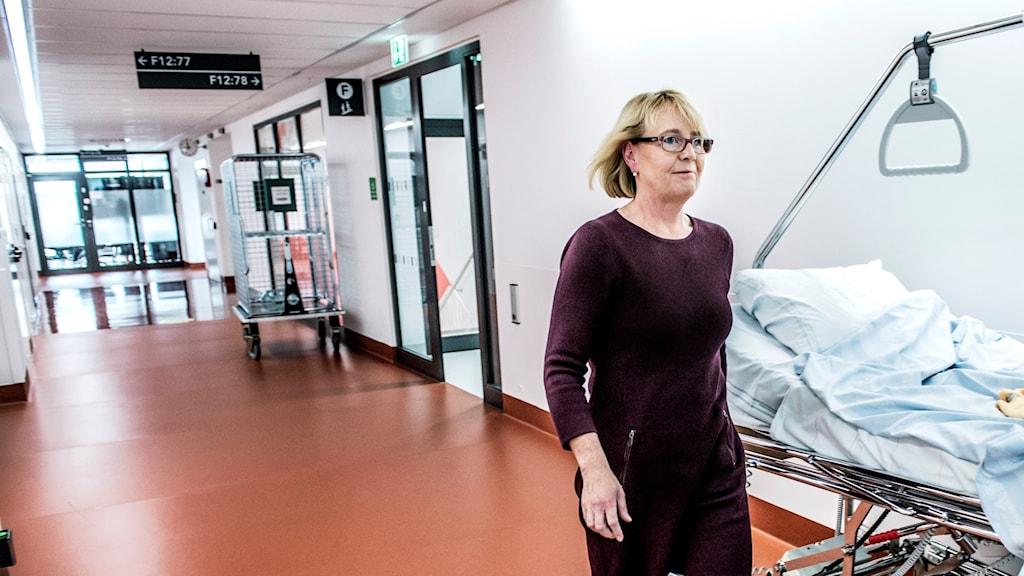 Finanslandstingrådet Irene Svenonius (M) på Nya Karolinska sjukhuset i Solna.
