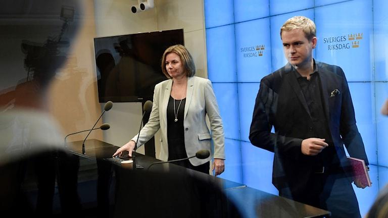 Miljöpartiets Isabella Lövin och Gustav Fridolin (MP)