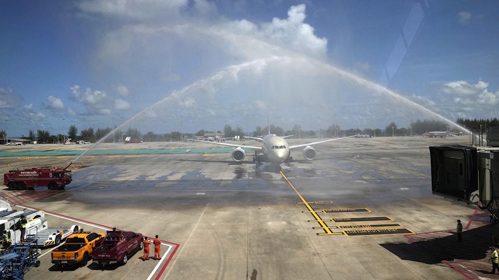 En flight från Abu Dhabi blev i juli den första lasten med utländska turister som landade i Phuket efter pandemin.