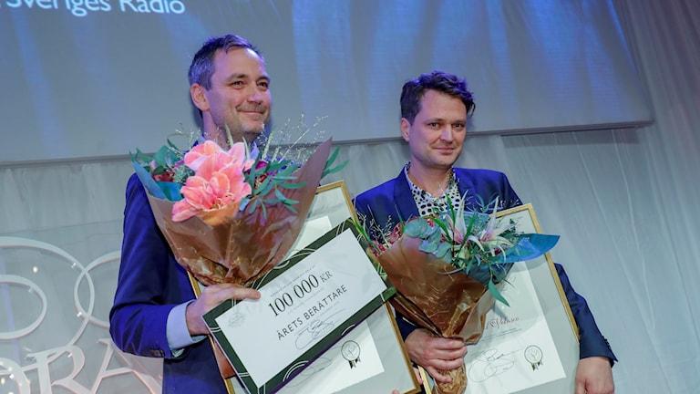 """Robert Barkman och Daniel Velasco (P1 Dokumentär, Sveriges Radio) vinnare i kategorin """"Årets berättare"""" när Stora Journalistpriset delas ut på Bonniers Konsthall i Stockholm på torsdagskvällen."""