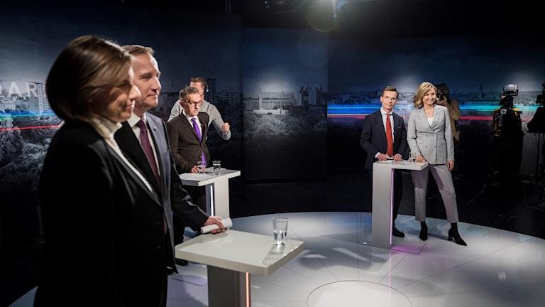 Miljöpartiets språkrör Isabella Lövin, statsminister Stefan Löfven (S), moderaternas partiledare Ulf Kristersson (M) och Kristdemokraternas partiledare Ebba Busch Thor (KD) deltar i TV4:s partiledarduell.