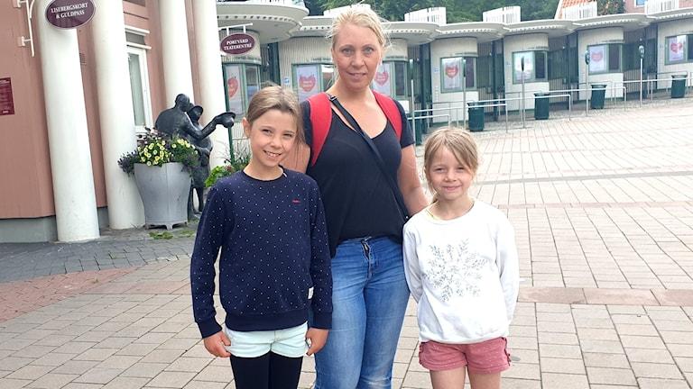 Från vänster Alva Eriksson, Marie Eriksson och Clara Eriksson.