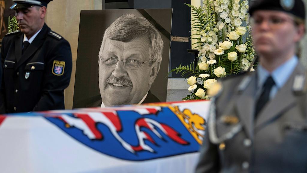 Walter Lübcke mördades i början av juni. En bild från begravningsceremonin den 13 juni. Foto: Swen Pfoertner/TT.