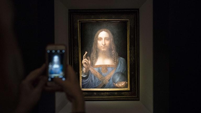 """""""Salvator mundi"""", den sista kända privatägda målningen av Leonardo da Vinci, har sålts på auktion."""
