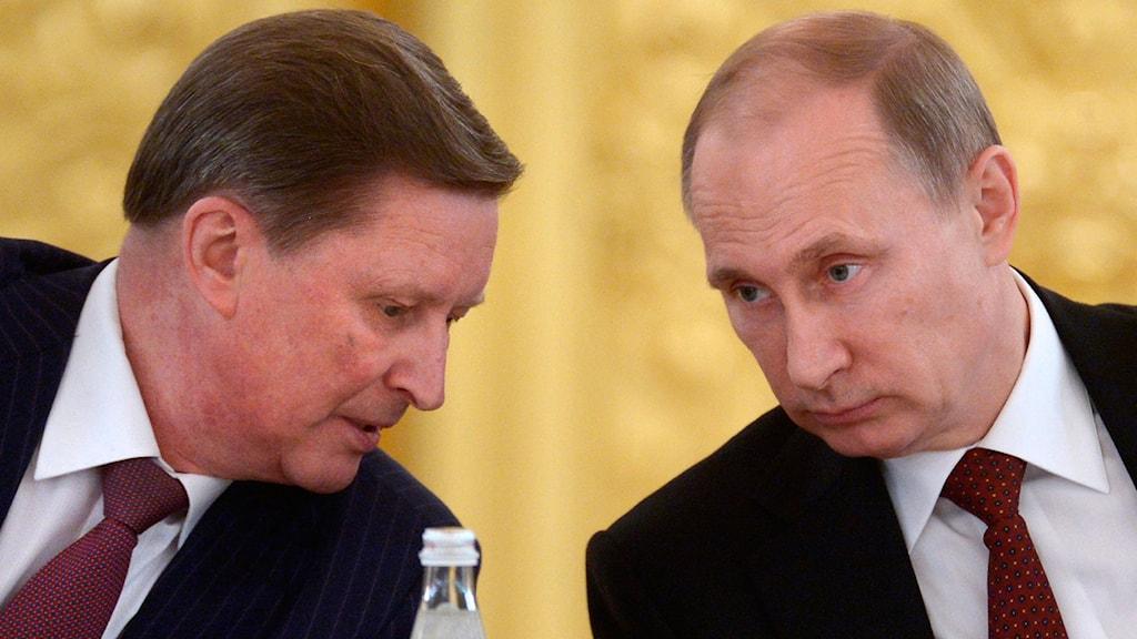President Putin och den nu avskedade stabschefen Ivanov