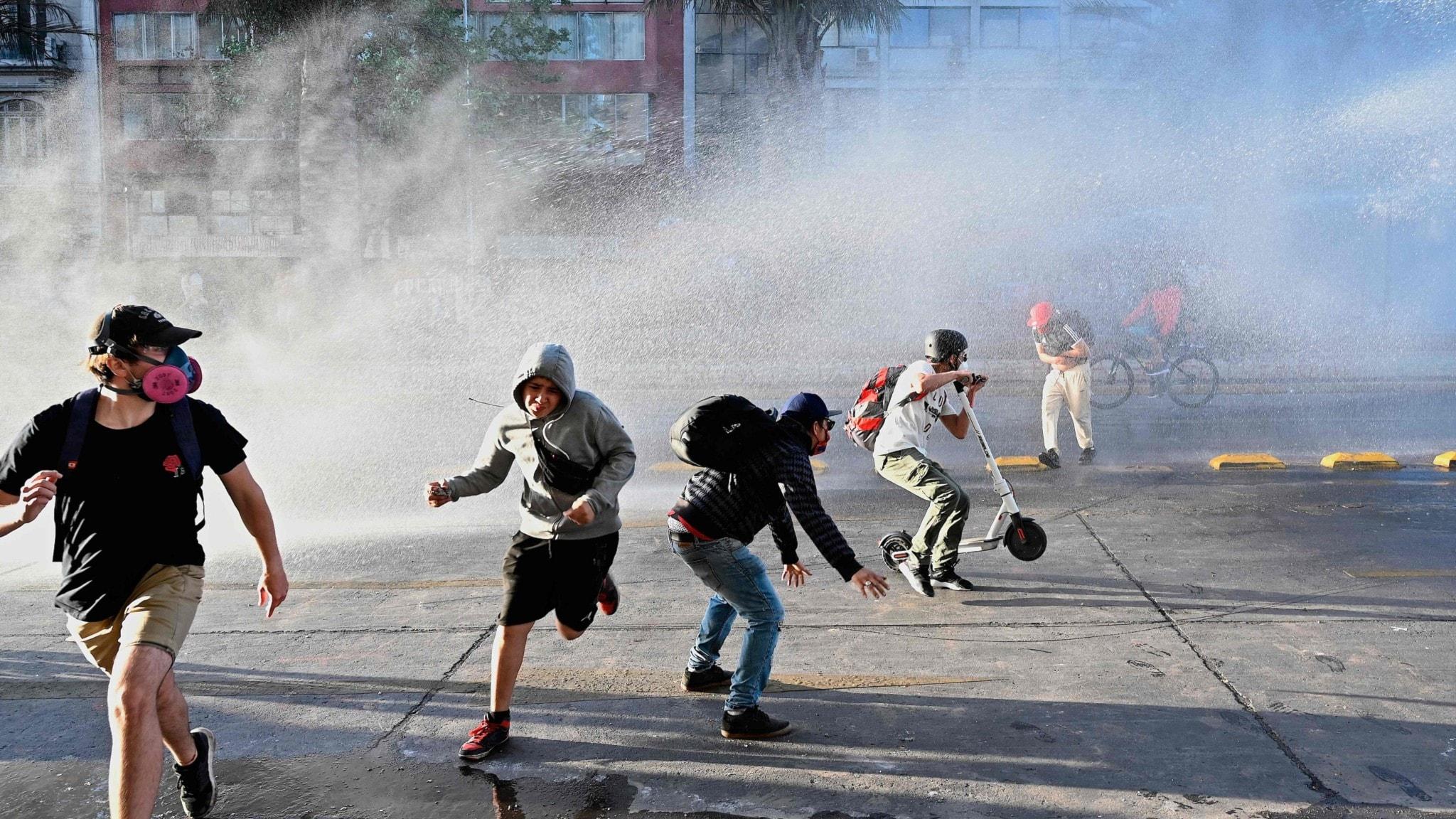 Chile röstar om en ny grundlag - Nyheter (Ekot)