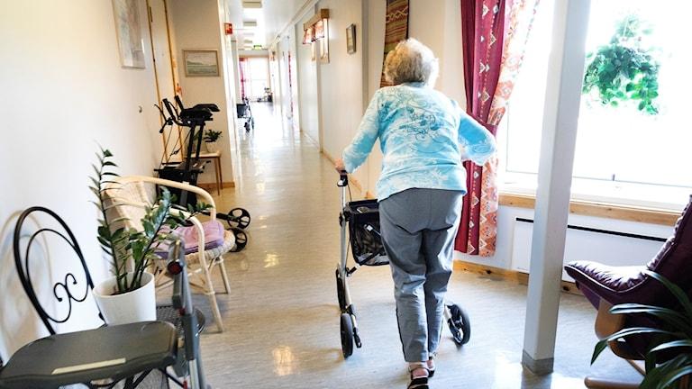 Korridor äldreboende.