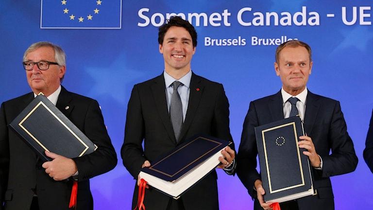 EU-kommissionens ordförande Jean-Claude Juncker, Kanadas premiärminister Justin Trudeau, EU:s ordförande Donald Tusk