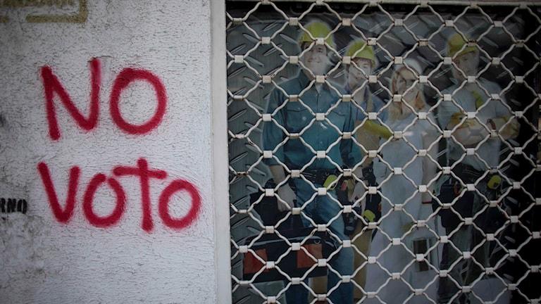 Rösta inte, står skrivet på en vägg i Venezuela