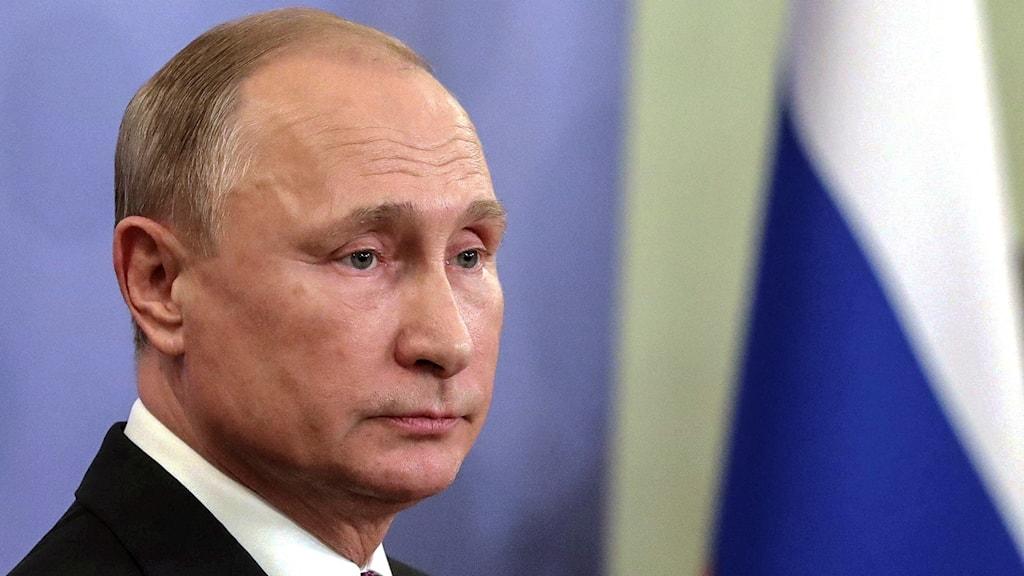 Putin meddelar att även Ryssland lämnar INF.