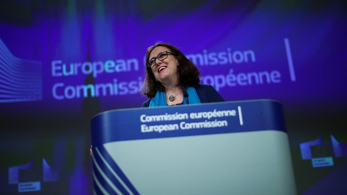 Cecilia Malmström på en presskonferens i Bryssel.