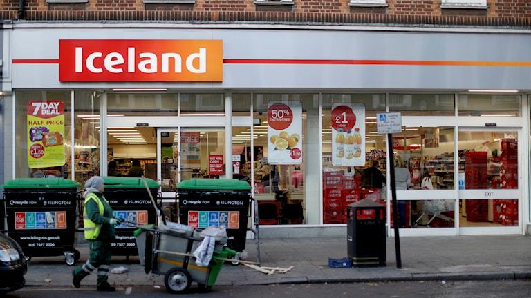 """Matkedjans """"Iceland"""" har butiker i Storbritannien. Denna finns i London."""