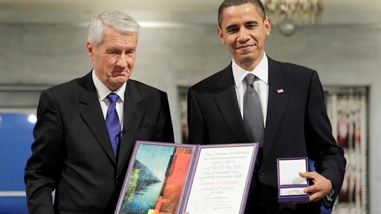 Barack Obama tar emot Nobels fredspris 2009.