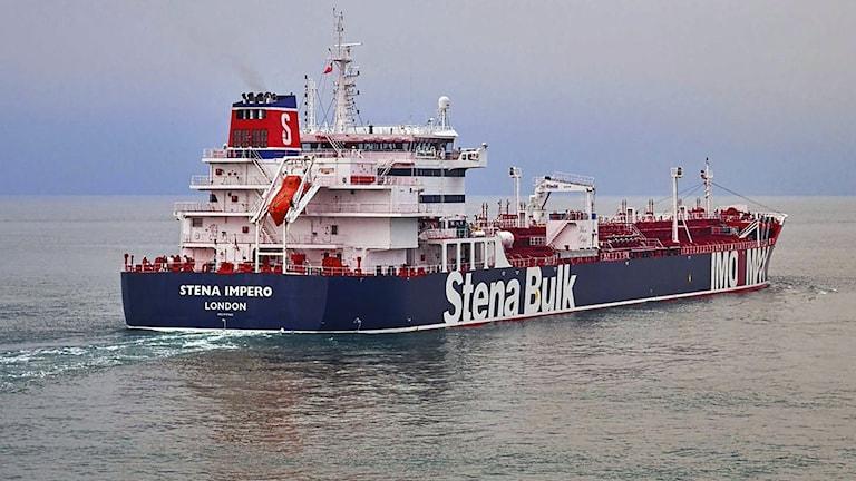 Brittiskflaggade, svenskägda oljetankern Stena Umpero.