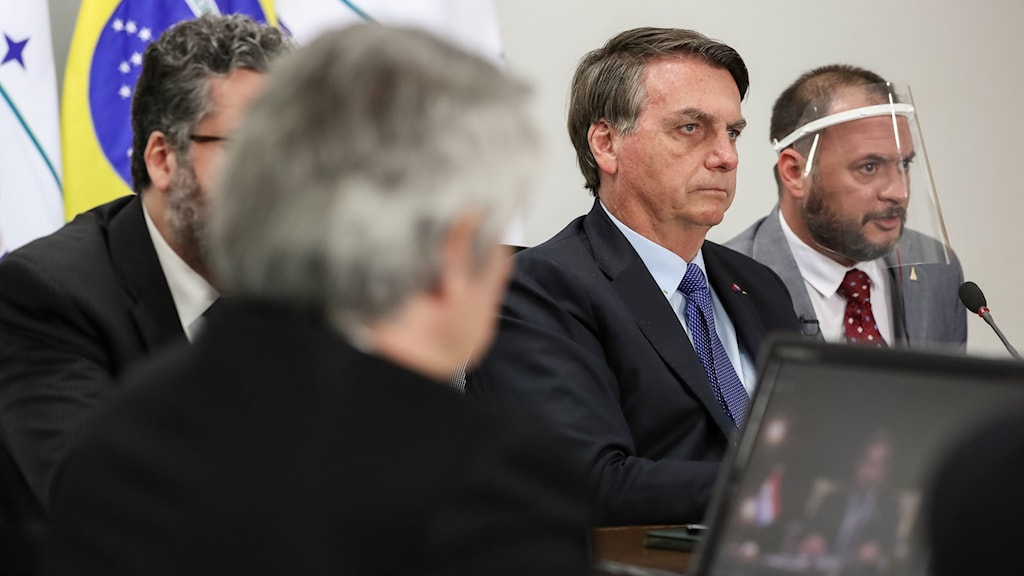 Jair Bolsonaro i mitten.