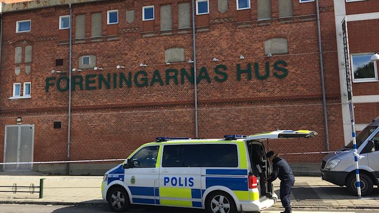 Skottlossning i föreningslokal i Malmö.