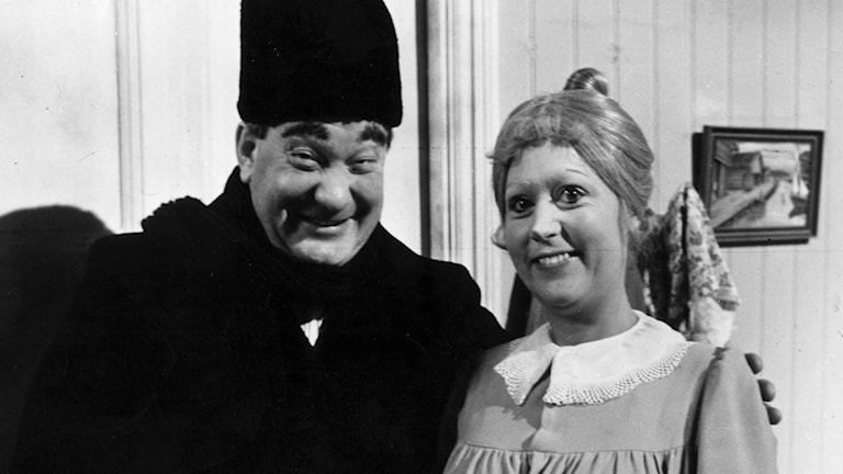 SVT:s Julkalender från 1967 - Teskedsgumman. Birgitta Andersson som Teskedsgumman och Carl-Gustav Lindstedt.