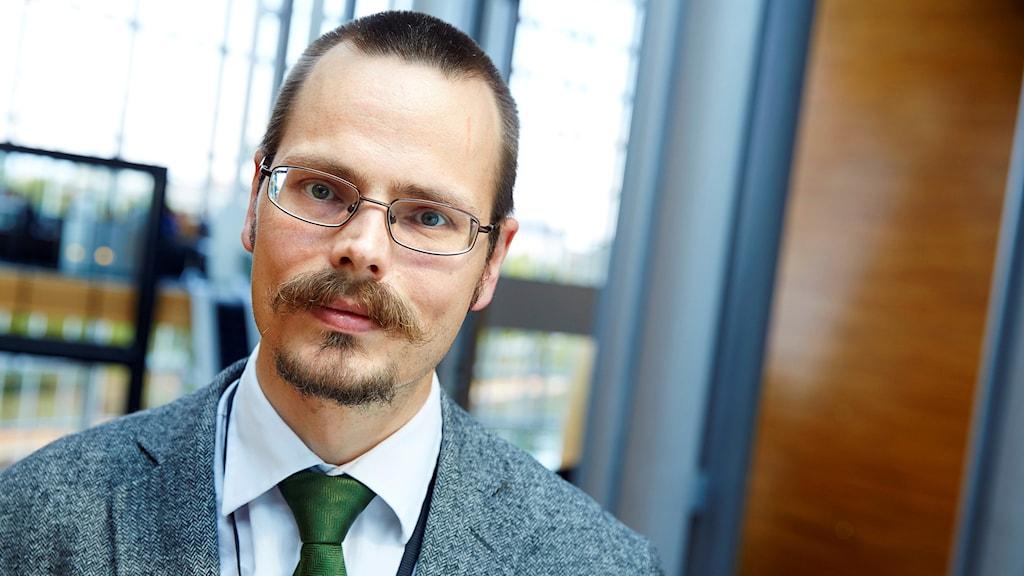 Max Andersson lämnar MP