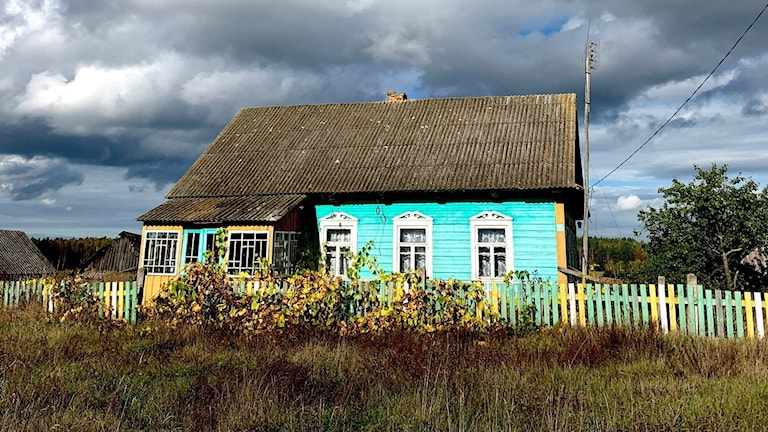 Ett hus på den belarusiska landsbygden.