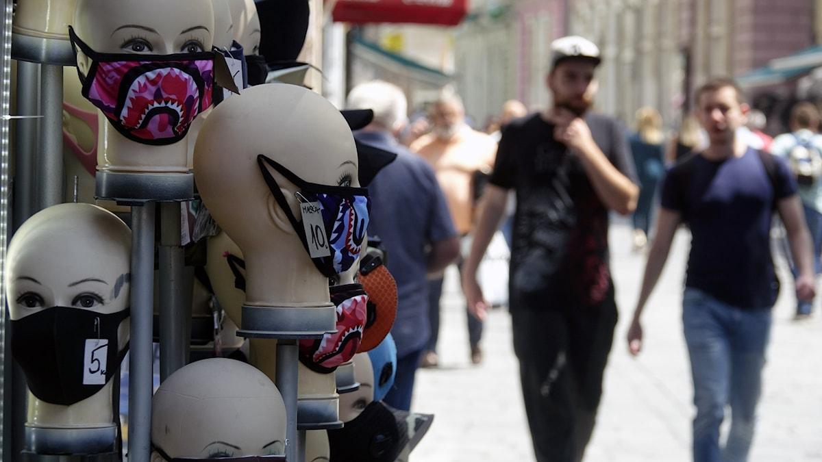 Flera länder återinför restriktioner efter nya utbrott