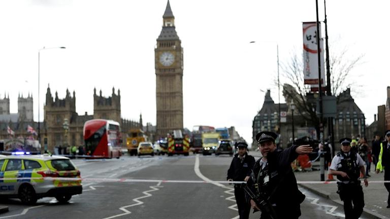 Avspärrningar brittiska parlamentet.