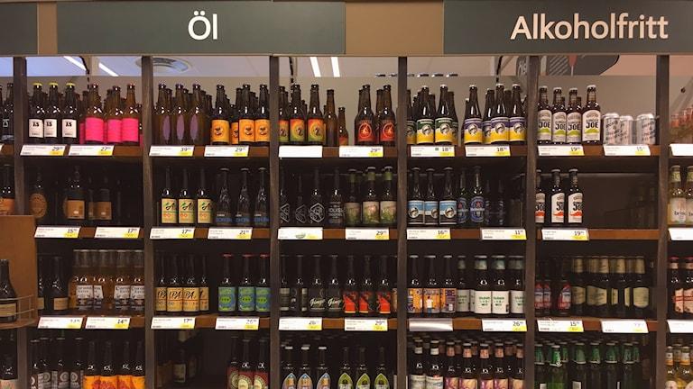 Det alkoholfria ölet ökar i volym och väntas gå om det lättölet. Foto: Peter Weyde, Sveriges Radio