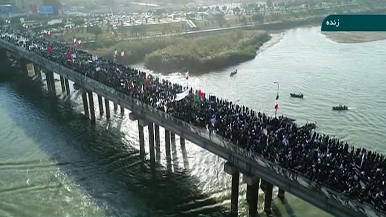 Demonstration i Ahvaz Iran som arrangeras för stöd av regimen
