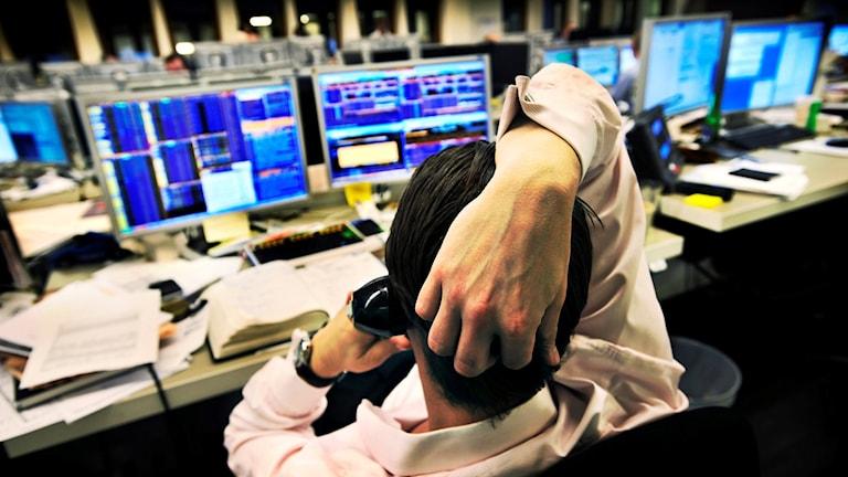 börsmäklare, aktier