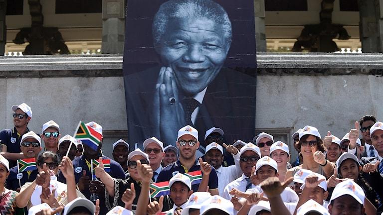 Mandela firas stort i Sydafrika.