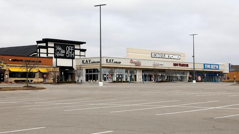 Ett tomt köpcenter i USA.