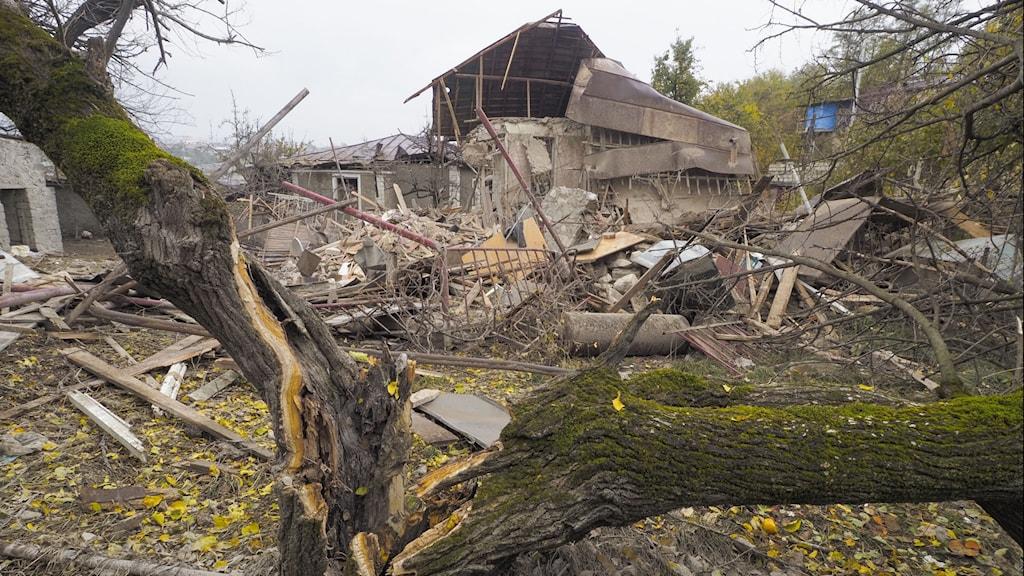 Söndertrasat hus i Nagorno-Karabach