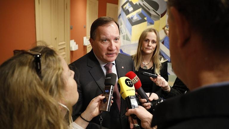 Statsminister Stefan Löven efter EU-nämndens sammanträde.