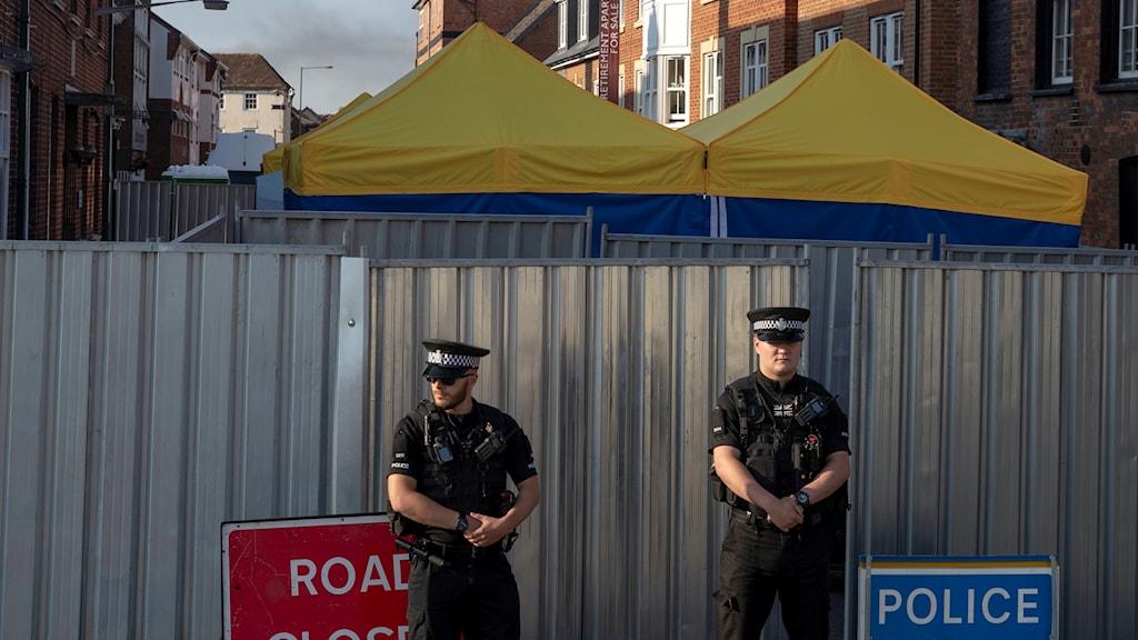 Två poliser