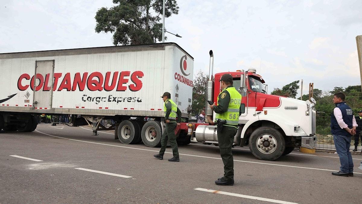 En last nödhjälp anländer till Venezuelas gräns.