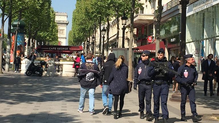 Champs Elysees dagen efter attacken