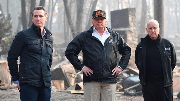 President Trump besöker drabbade område i Kalifornien