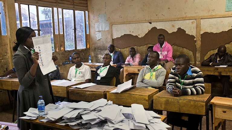 Oppositionen påstår att valet manipulerats.