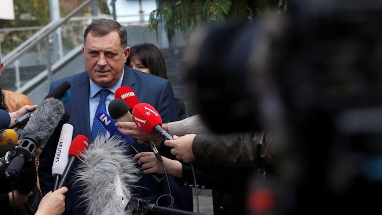 Bosnienserbernas ledare Milorad Dodik förväntar sig nu ett ministerråd.