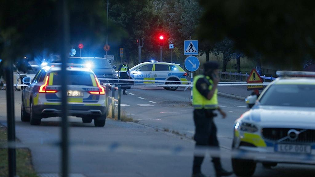 Polisutryckning efter skottlossning i Linköping