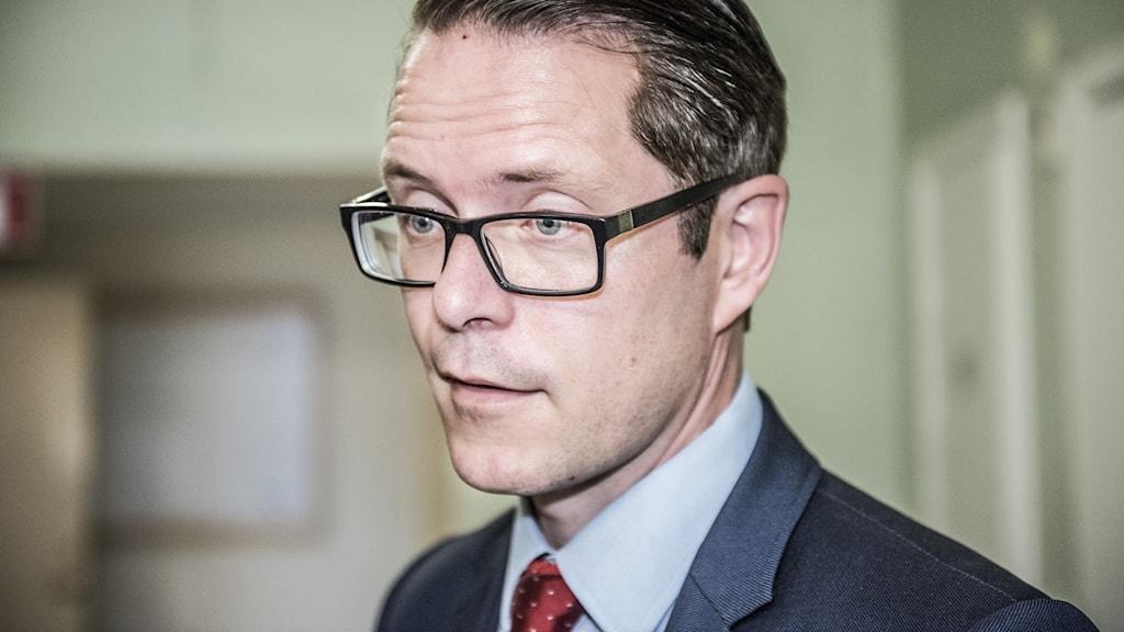 Lars Hjälmered (M)