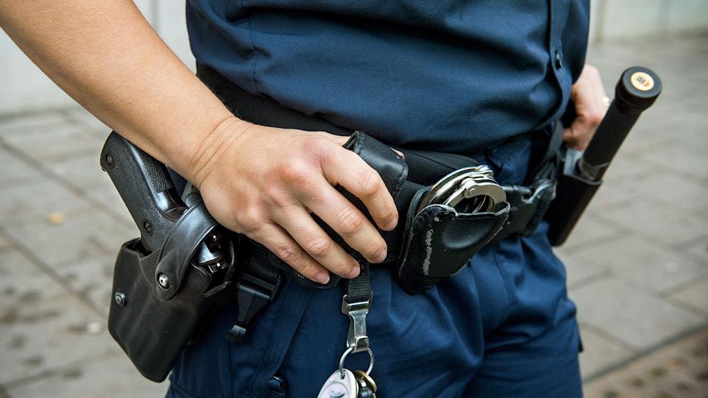En man har anhållits misstänkt för förberedelse till terrorbrott