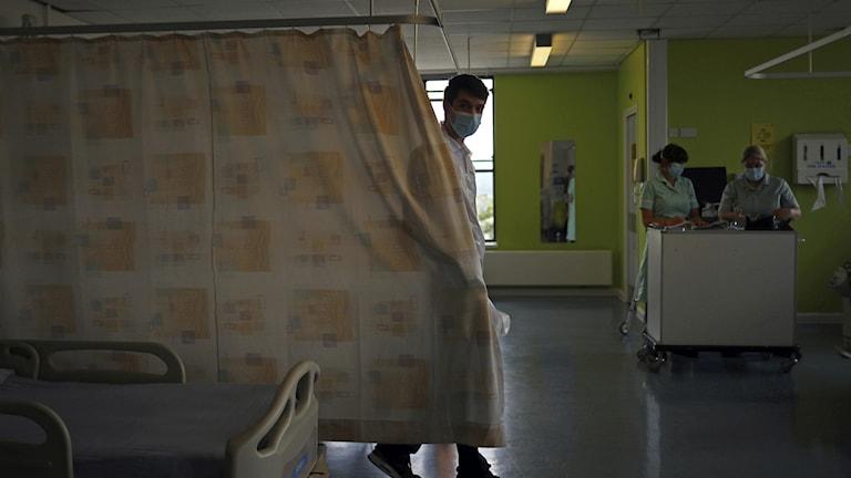 Pandemin slår mot cancerpatienter i Storbritannien