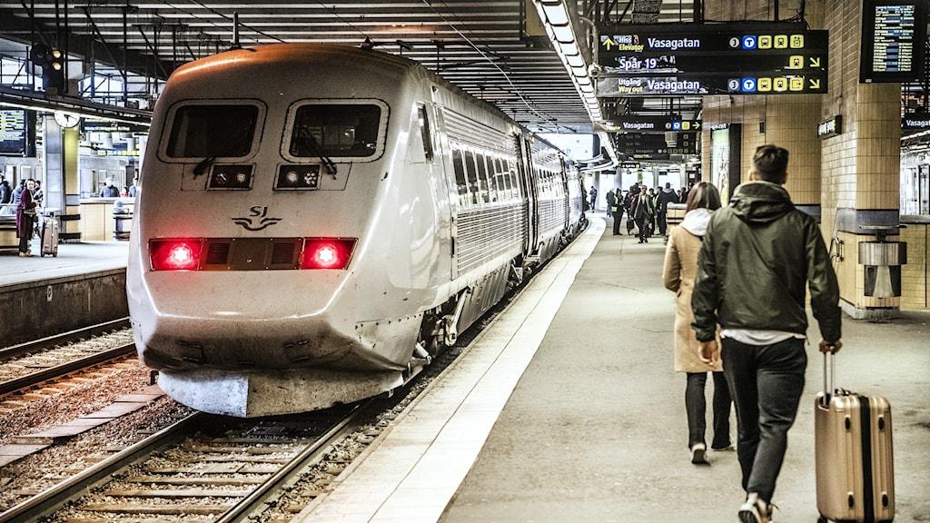 Tågresenärer på Stockholms central.