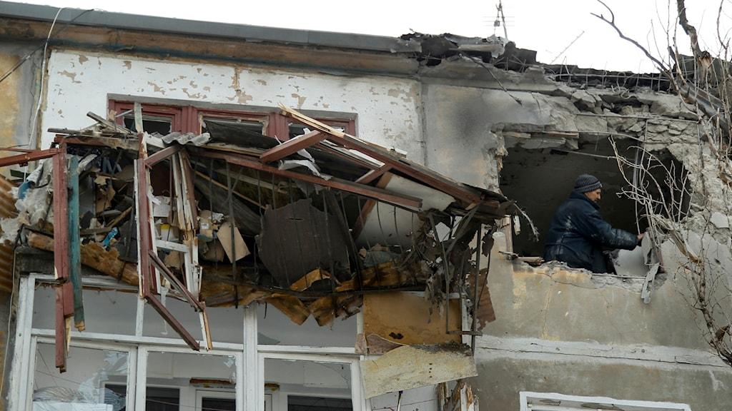 Skadats hus i Donetsk.