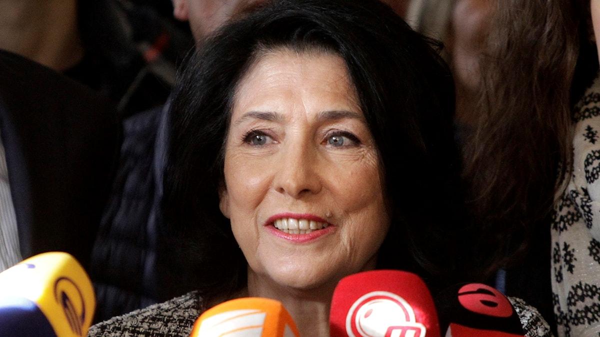 Första kvinnan på presidentposten i Georgien.